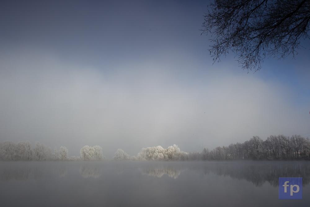 Die Nebelschwaden geben auf und ziehen ab